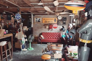 Chiang Khan, vintage shop